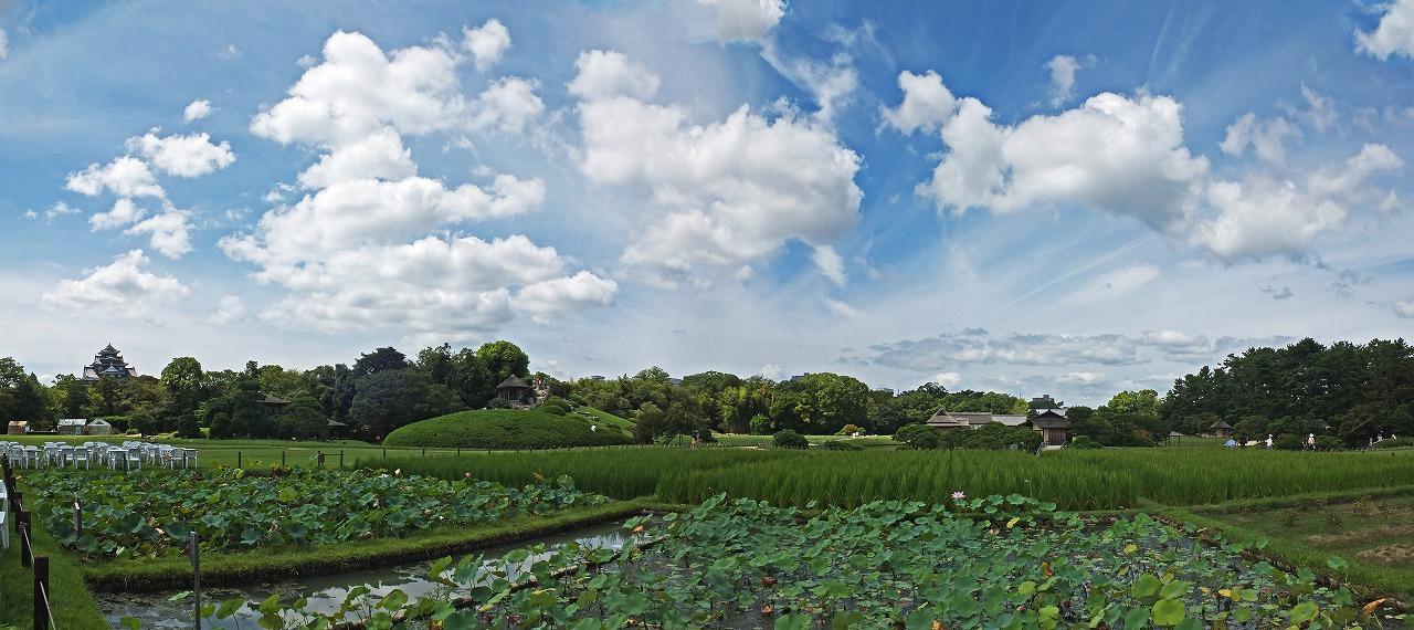 s-20150824 後楽園今日の空模様台風接近を思わせる園内ワイド風景 (1)