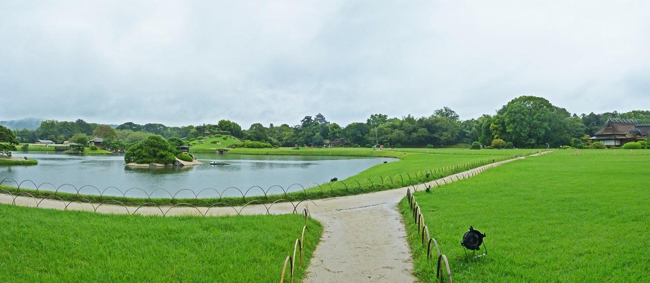 s-20150831 後楽園今日の雨降り日の園内ワイド風景 (1)