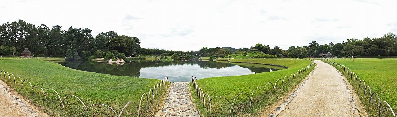 s-20150908 後楽園今日の園内沢の池ワイド風景 (1)
