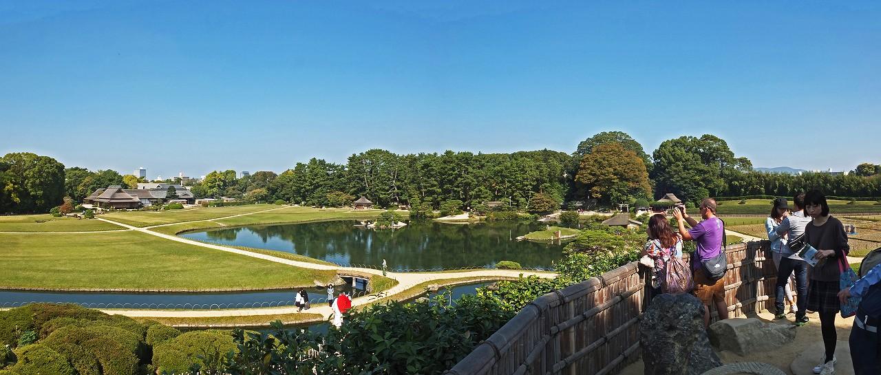 s-20151021 後楽園唯心山頂上からの眺め今日の園内ワイド風景 (1)