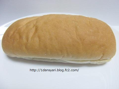 もっちりとしたコッペパン