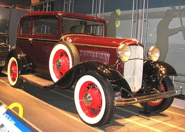 1932-Ford-V8.jpg