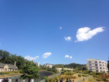 ハートの雲。秋の空。
