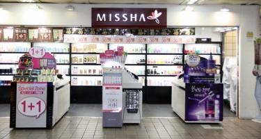 韓国では至る場所にある化粧品屋さん