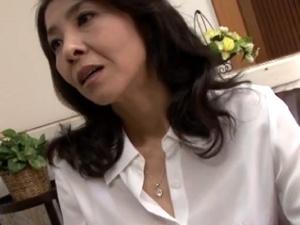 川嶋菜緒 ガリガリな美熟女伯母と近親相姦