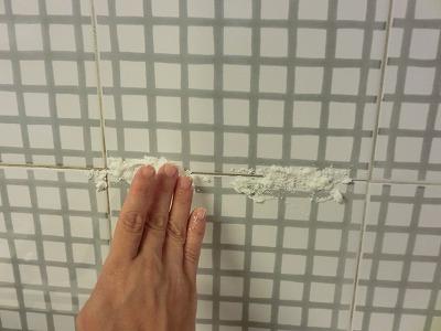 プロが選んだ家事の裏ワザランキング 気になるところに塗ります。ベランダのサッシなどもビックリするほどキレイになります。