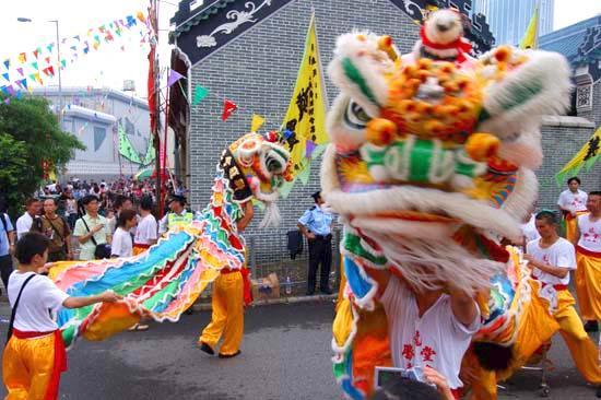 香港旧正月名物・獅子舞とドラゴンダンス①