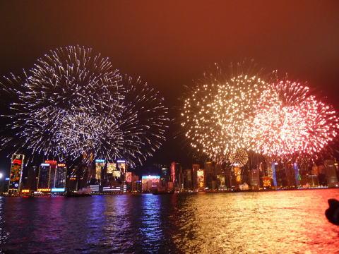 香港旧正月の花火◆尖沙咀海濱長廊(チムサーチョイプロムナード)