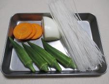 オクラと春雨のガラムマサラスープ 材料