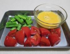 トマトと炒り卵のペパーソテー 調理①