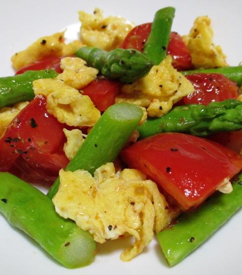 トマトと炒り卵のペパーソテー 大
