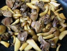 砂肝と茸のガーリックポン酢炒め 調理⑤