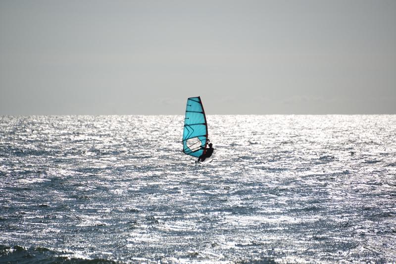 光る海に-2