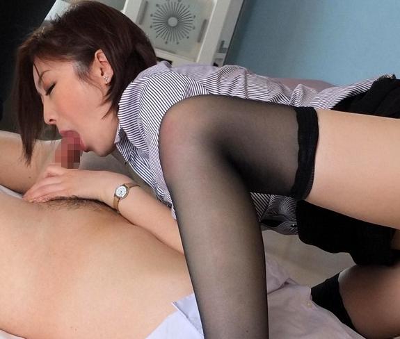 長身美脚のエロエロ女教師がパンスト足コキで痴女プレイの脚フェチDVD画像3
