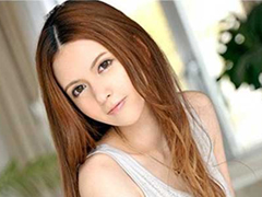 【水咲ローラ】フェロモン漂うスレンダーなカラダと妖精のような美貌で男達を誘惑