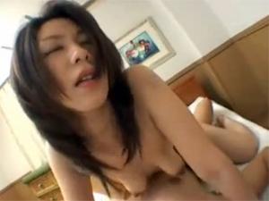 【翔田千里】「オッパイ飲みたいでちゅか~?」と言いながら息子のザーメンミルクを搾っちゃう変態お母さん
