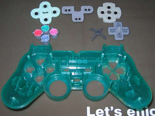 PS プレイステーションコントローラー DUALSHOCK デュアルショック SCPH-110 エメラルド メンテナンス、分解作業 コントローラー本体上部プラスチックカバーからプラスチックボタン、十字キー、レバーサポートを取り外す