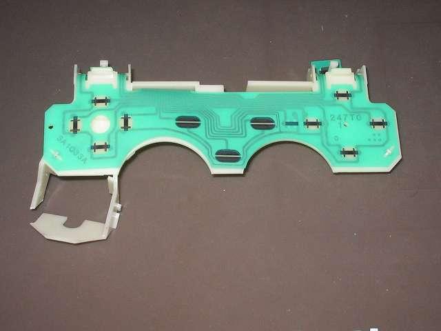 PS2 プレイステーション2 コントローラー DUALSHOCK 2 デュアルショック2 SCPH-10010 メンテナンス、分解作業 基板固定用プラスチック台座からフレキシブル基板を取り外す