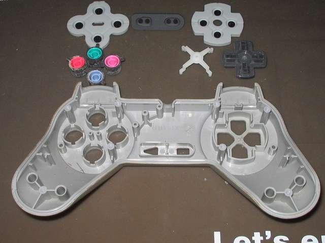 PS プレイステーションコントローラー PlayStation Controller SCPH-1080 メンテナンス、分解作業 コントローラー本体上部プラスチックカバーからプラスチックボタン、十字キー、レバーサポートを取り外す