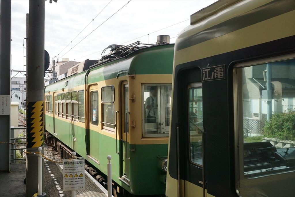 鎌倉駅に江ノ電が入ってきた_3