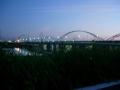 150904南詰下流側から鳥飼大橋(でも通れない)