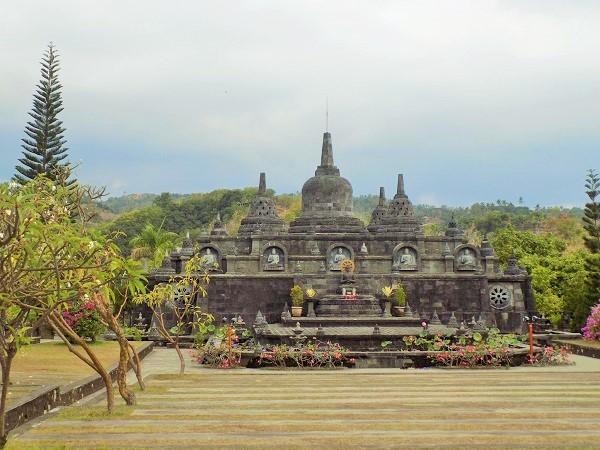ブラマ・ビハラ・アラマ仏教僧院(Brahma Vihara Arama)