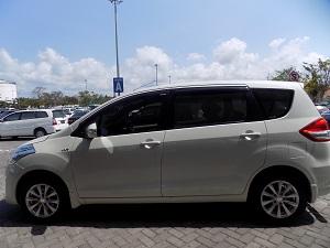 バリ島のチャーター車