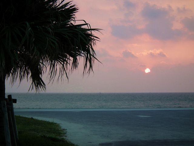 2015沖縄旅 ビーチの夕日