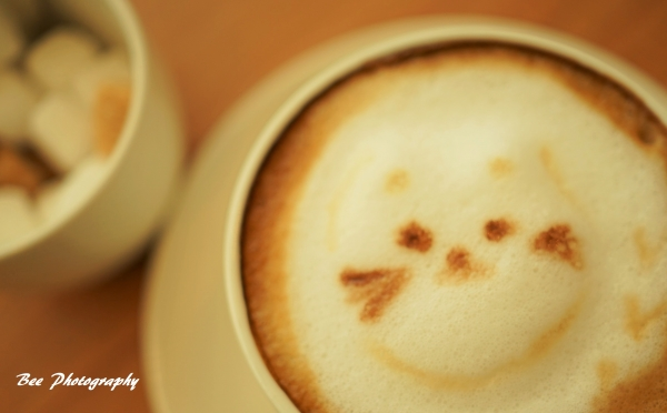 cafe-bee8.jpg