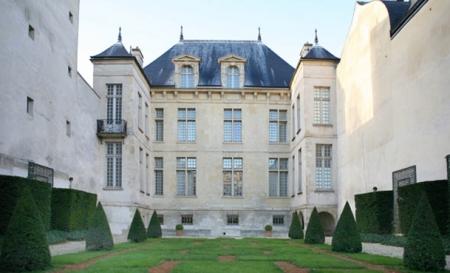 Musee-Cognacq-Jay-facade-exterieure-jardin-630x405-C-OTCP-Didier-Messina.jpg
