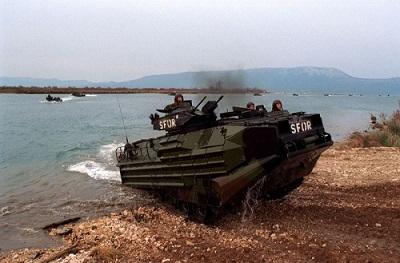 水陸両用車両