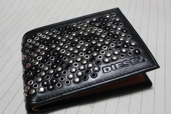 ディーゼルの財布1