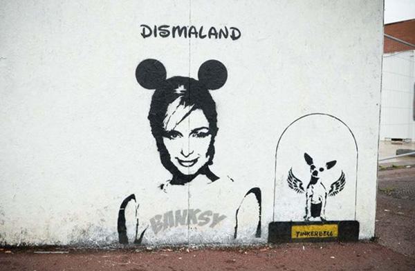 banksy-dismaland-paris-hilton-01.jpg