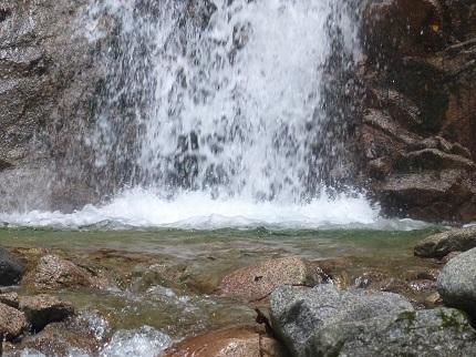 一石の滝_その2
