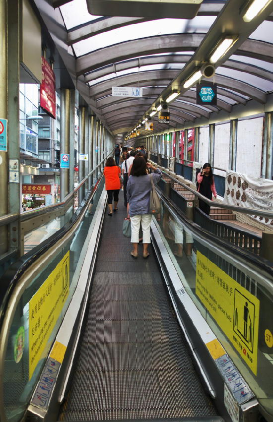 動く歩道-114