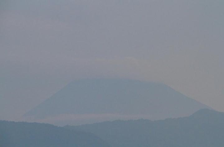 9月6日 5-37 今朝の富士山-1