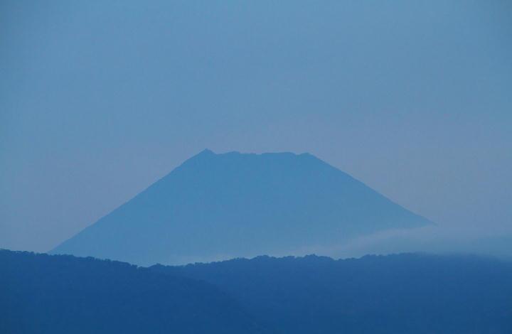 9月16日 5-42 今朝の富士山