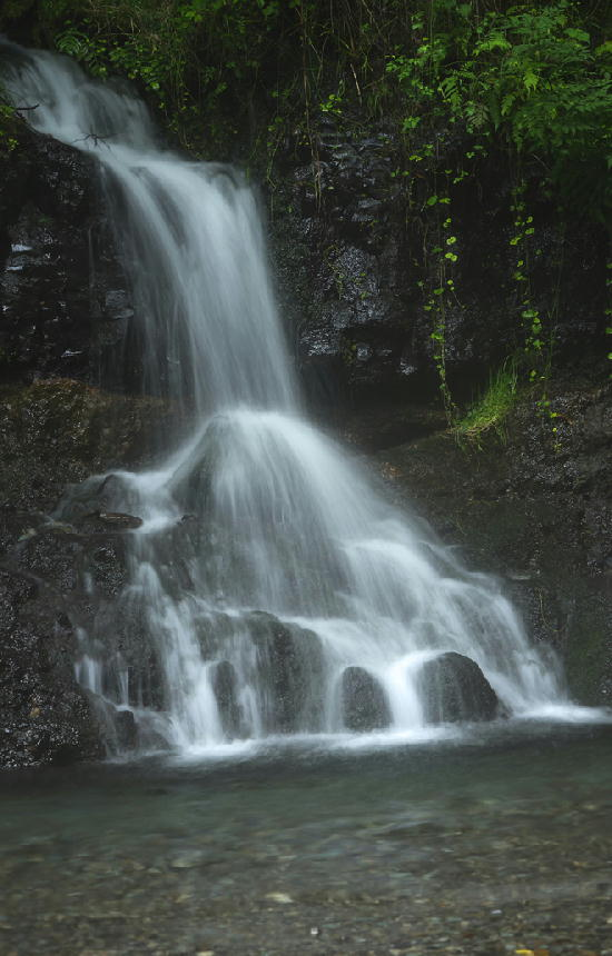 神馬の滝-480