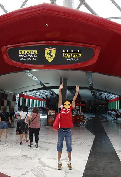ドバイ2フェラーリワールド1