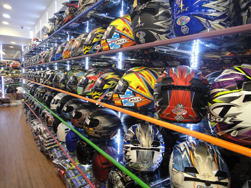 201506Motocycle_equipment_shop_Taipei-5.jpg