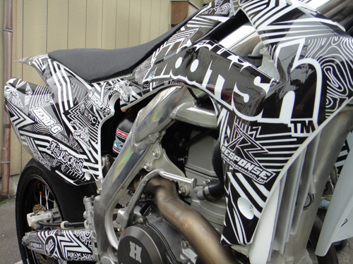 201508CRF450R_graphic_decal-5.jpg
