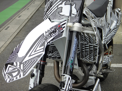 201508CRF450R_graphic_decal-6.jpg