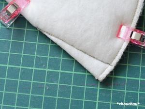 レトロローズ 白 タック 線 縫う