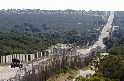 Mexican-US-Border-10-6-18 dailysignal com