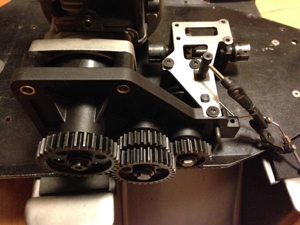 エンジンマウント、ギヤ、ブレーキ組付