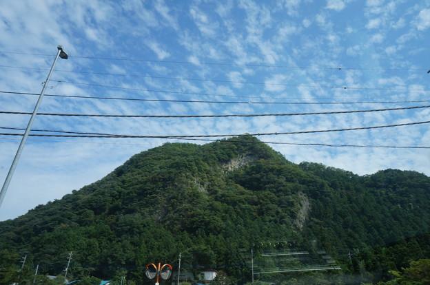 ある日の山と空