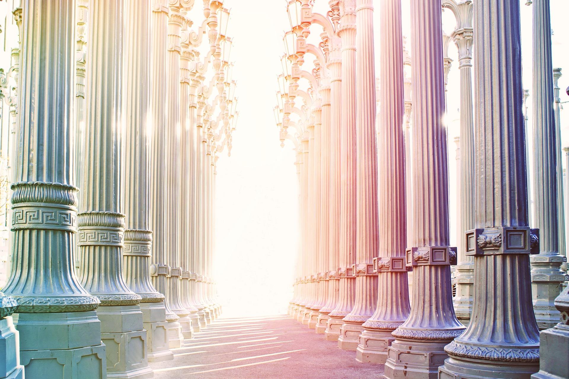columnar-945653_1920.jpg