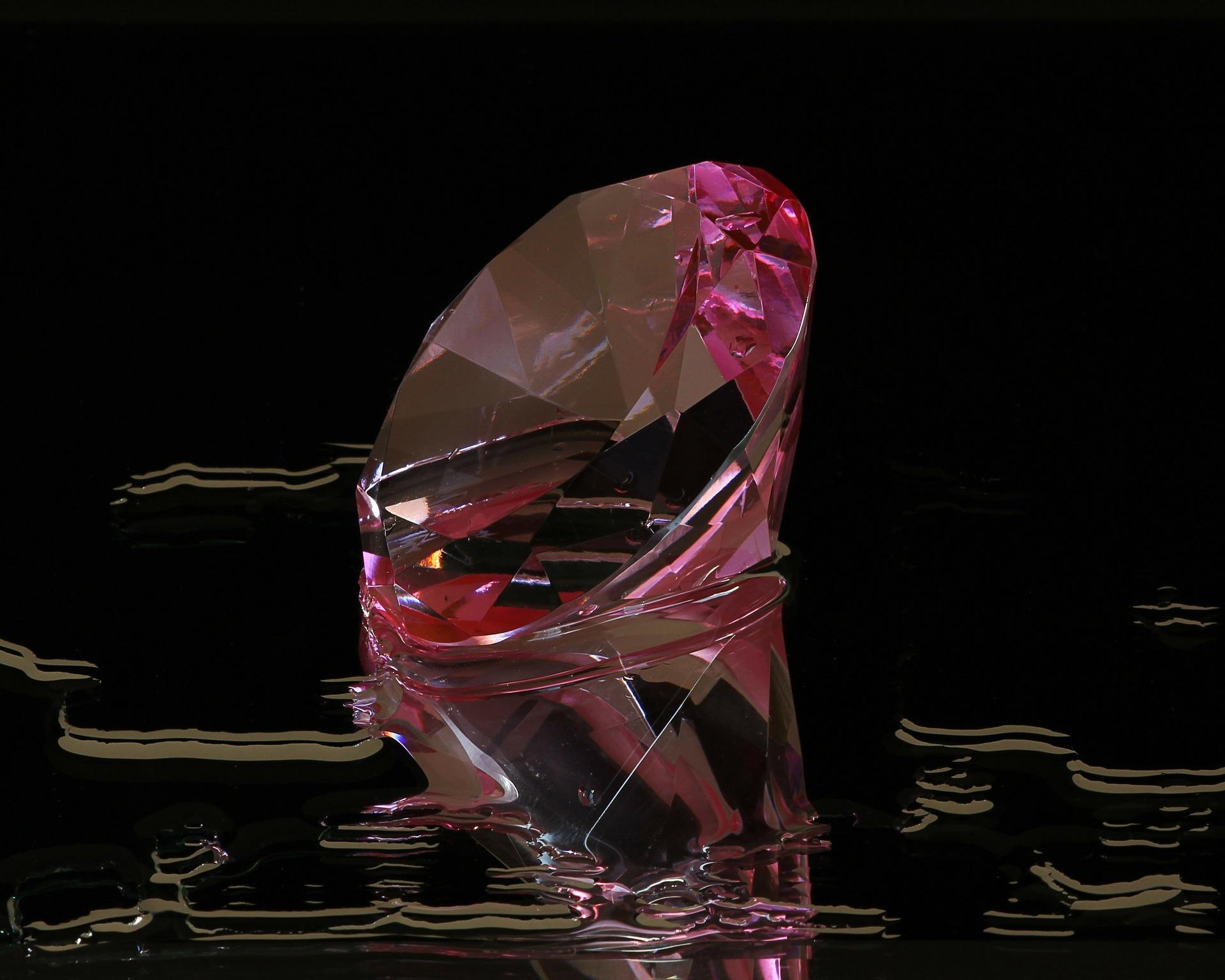 pink-diamond-82593_1920.jpg