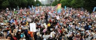 国会包囲デモ