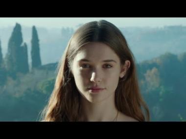 『天使が消えた街』 ラストのエリザベスの微笑。背景が『モナ・リザ』のそれと似ている?